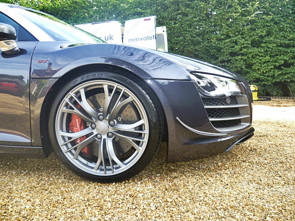 Sparkling clean wheels by mmvaleting. Contact mmvaleting for the cleanest wheels in Buckinghamshire.
