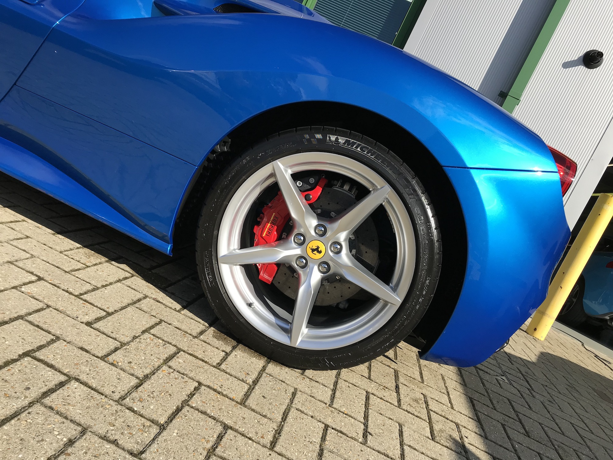 One Day Detail. An ideal service for those wanting their vehicles prepared to concourse condition, protected and maintained. See mmvaleting for a one day detail for you vehicle in Buckinghamshire.